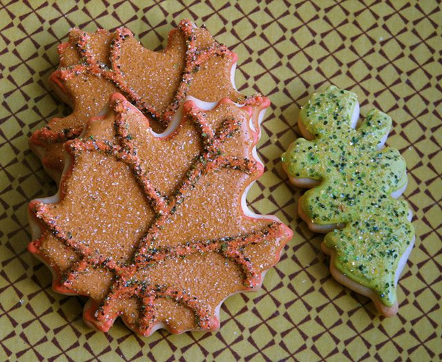 thanksgiving Leaf Cookies    Sparkling vanilla sugar cookie leaves all dressed up for Thanksgiving!
