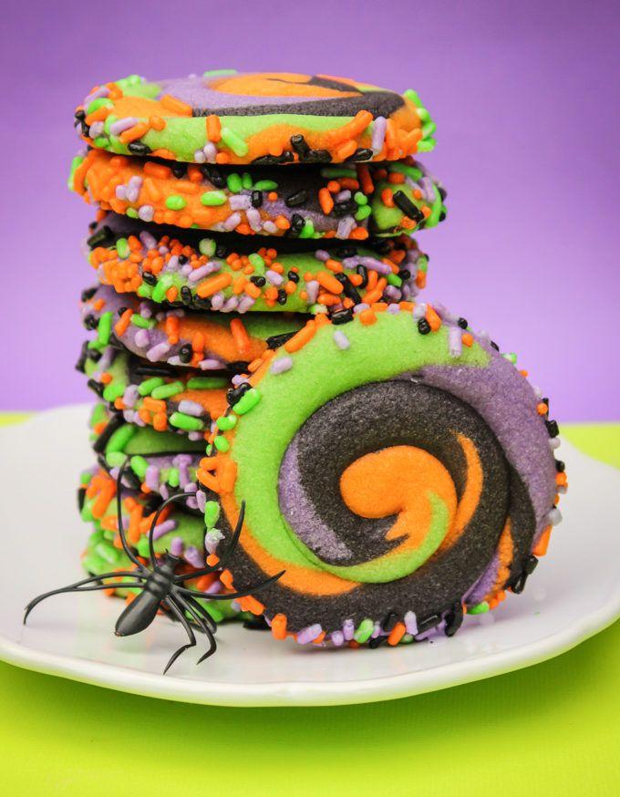 Pinwheel Halloween Sugar Cookies #halloweencookies