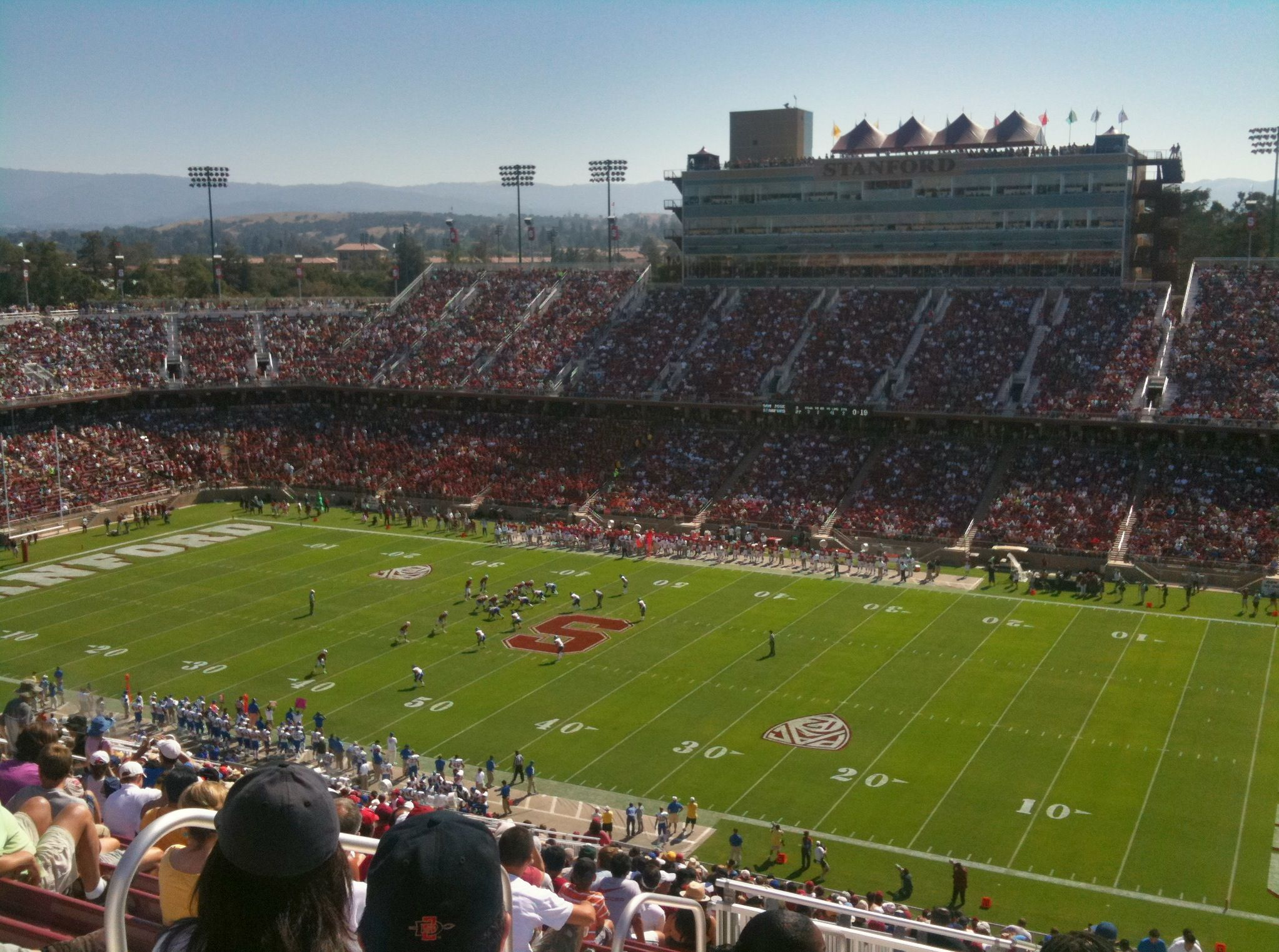 Stanford Stadium Palo Alto Ca A Family Friendly Stadium With Tons Of Tailgating And Minimal Amount Of Drunks Football Is Life Stadium Football Stadiums