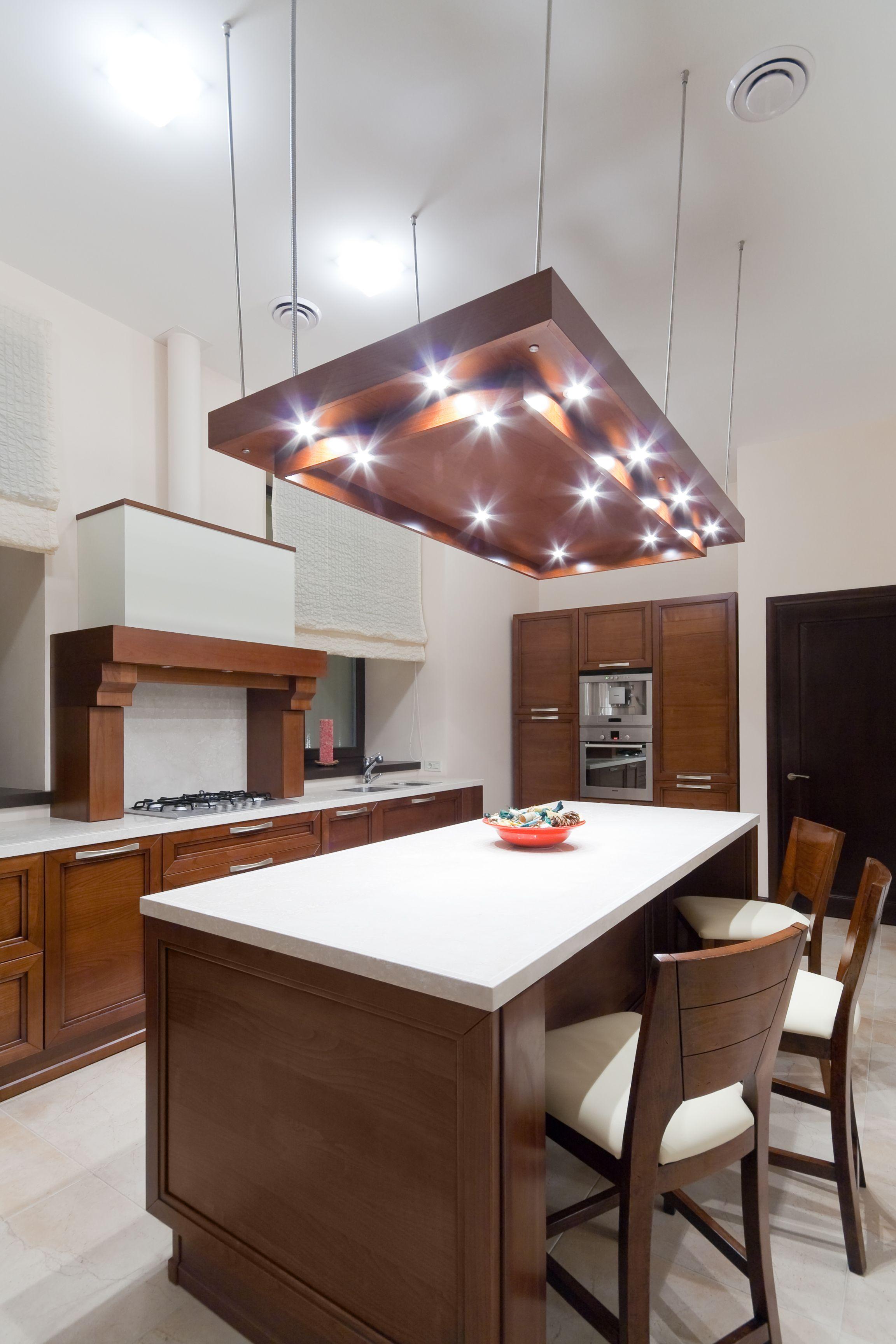Piękna Biało Brązowa Drewniana Kuchnia Zestaw Krzeseł