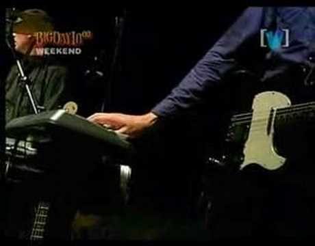 PJ Harvey - To bring you my love - YouTube