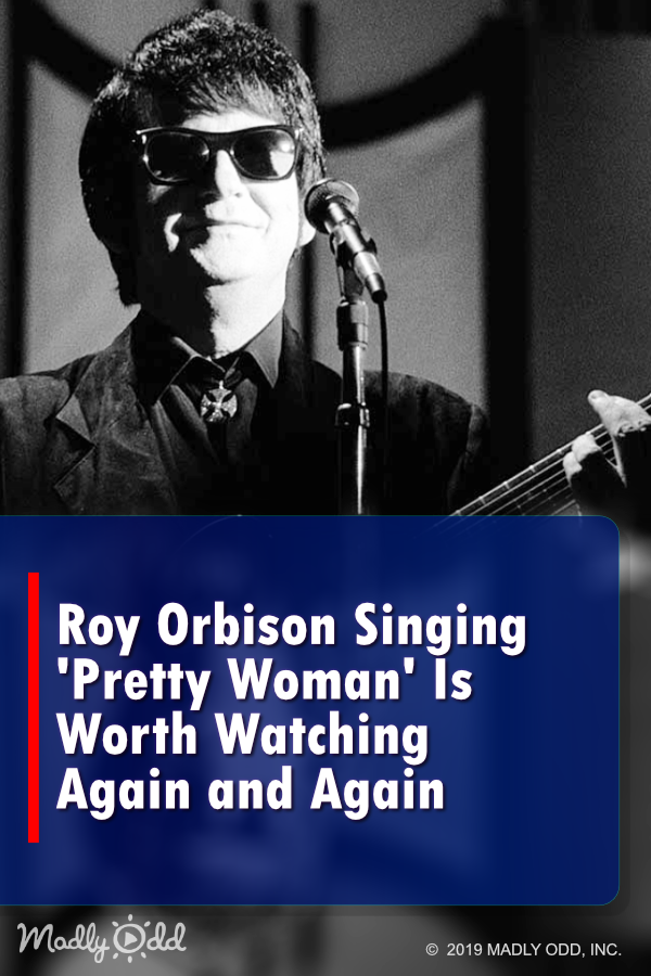 Roy Orbison Singing Pretty Woman Is Worth Watching Again And Again Nostalgia Video 1950s 1960s 50s 60s Boomer Oldies Music Roy Orbison Pretty Woman