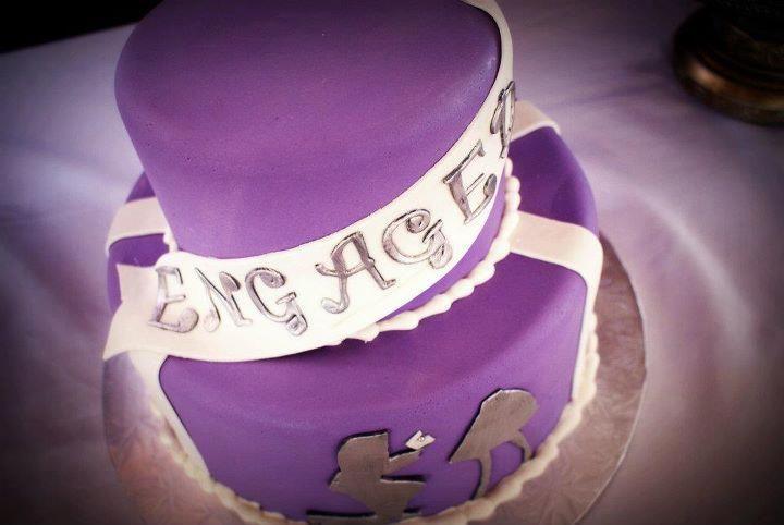 Engagement cake by Little Sugar Shop.