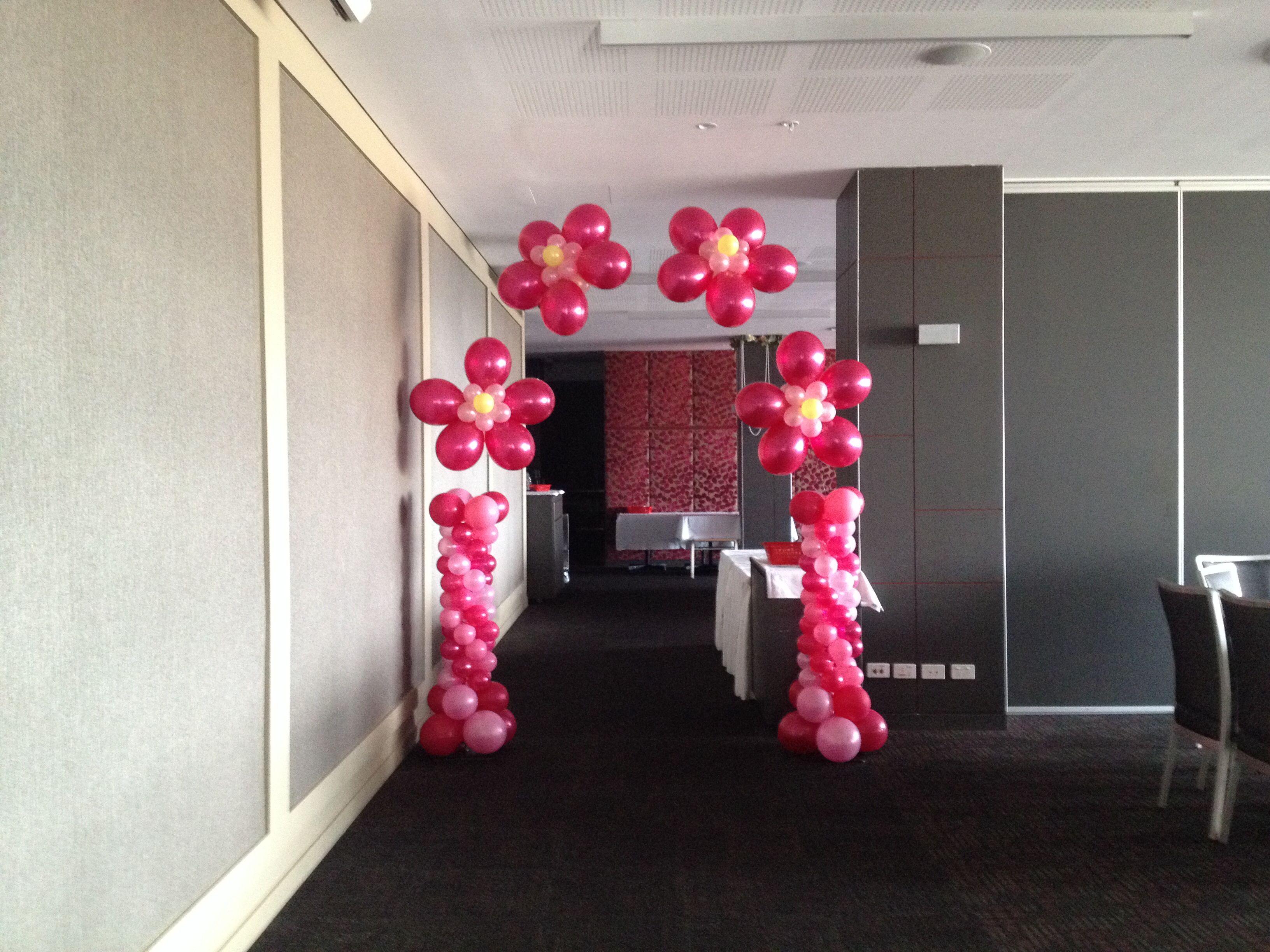 Helium flower halfsize arch with mini Corinthian columns