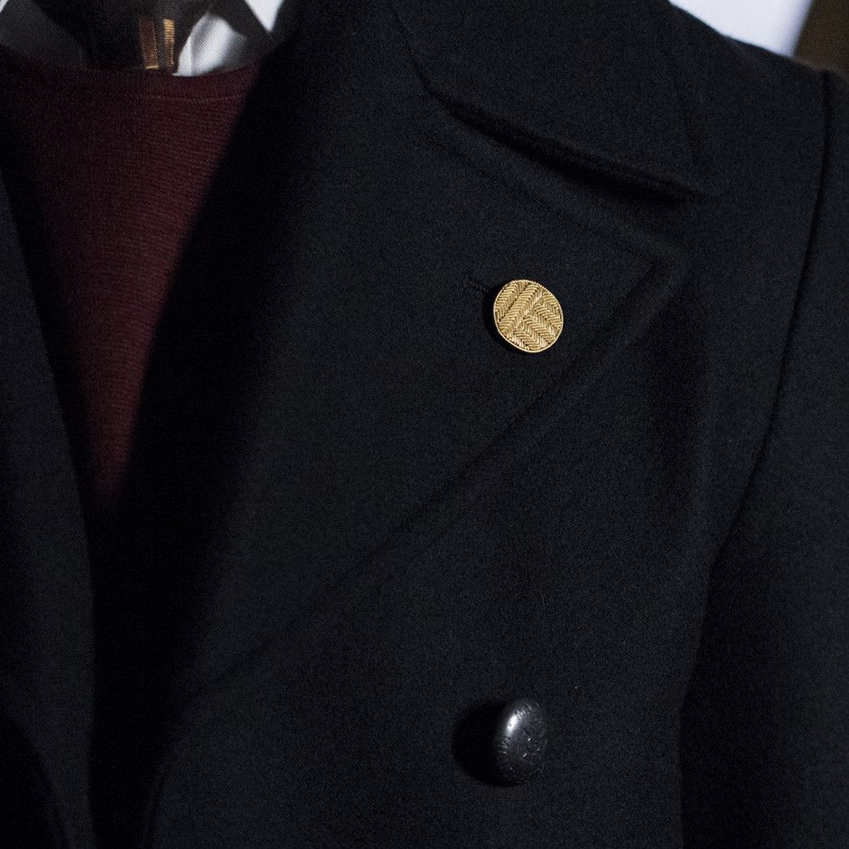 Gold lapel pin | Campbell