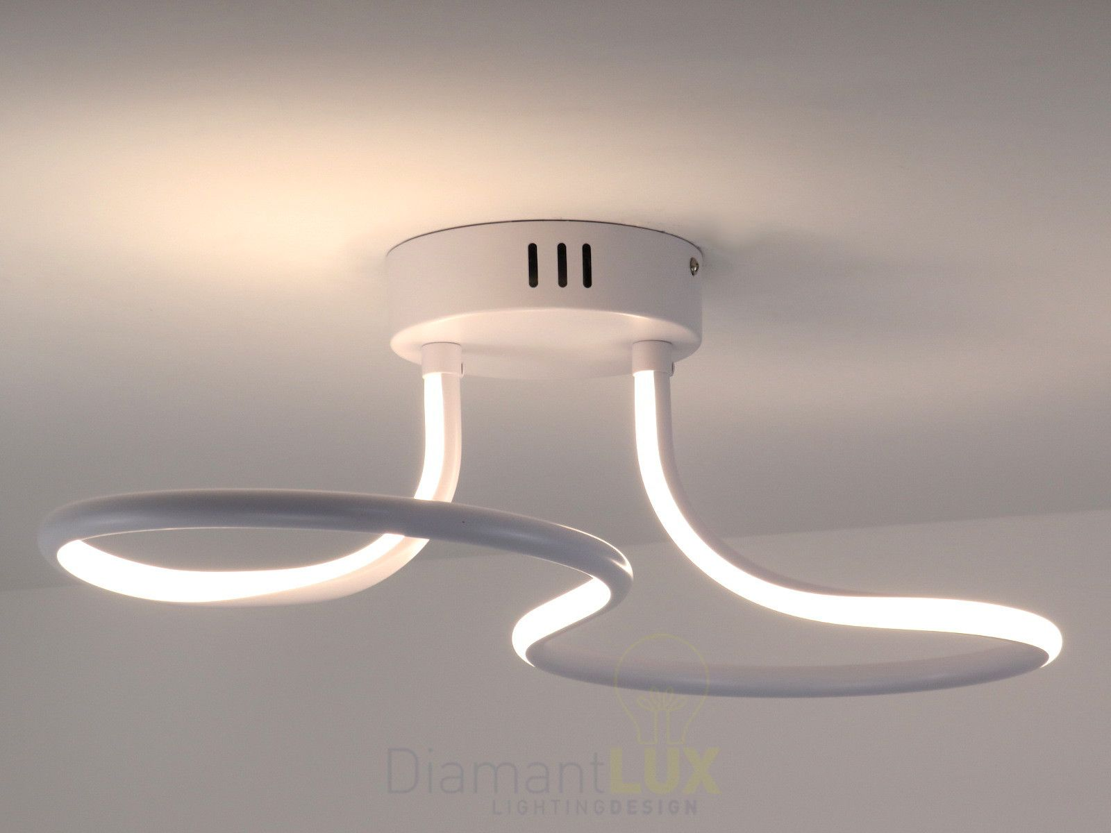Plafoniere Led A Soffitto Moderno Dimmerabile : Plafoniera da soffitto dal design moderno realizzato in metallo