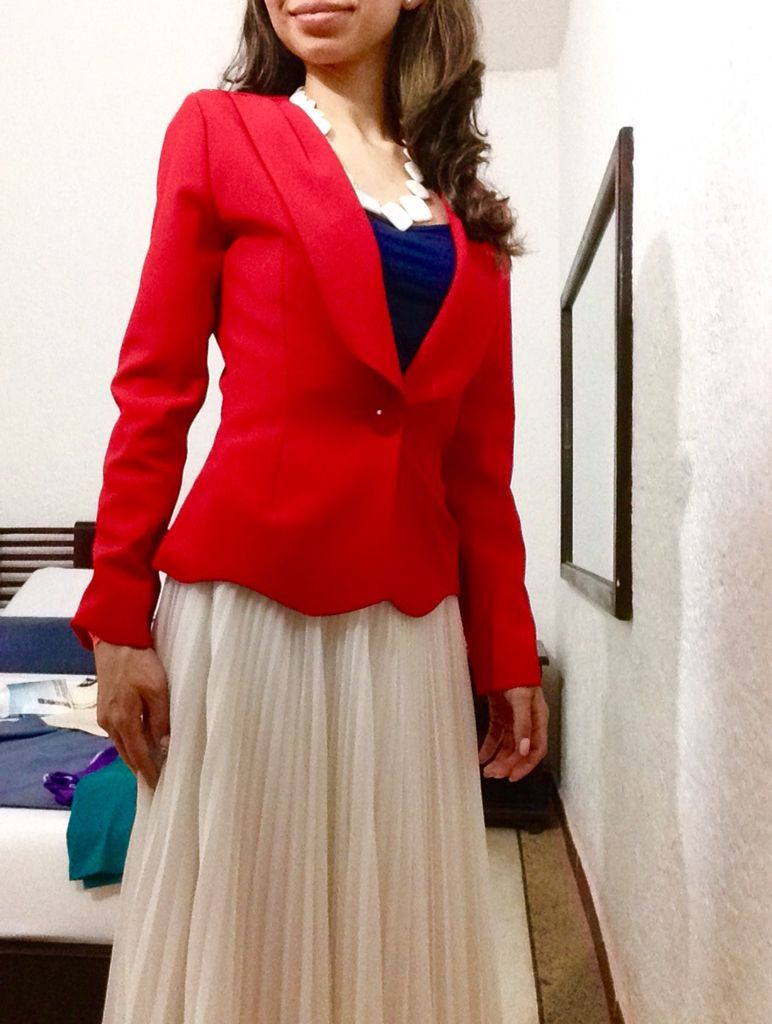9ee8a7182 Red #blazer, white #pleated skirt, #navy top - #chaqueta #formal ...