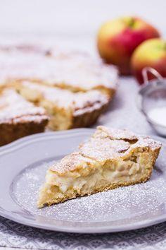 Apfelkuchen mit Mandel-Marzipan-Decke
