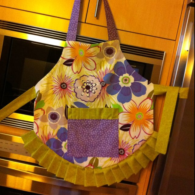 Becky Cooks Lightly 30 Patterns For Aprons With Pockets