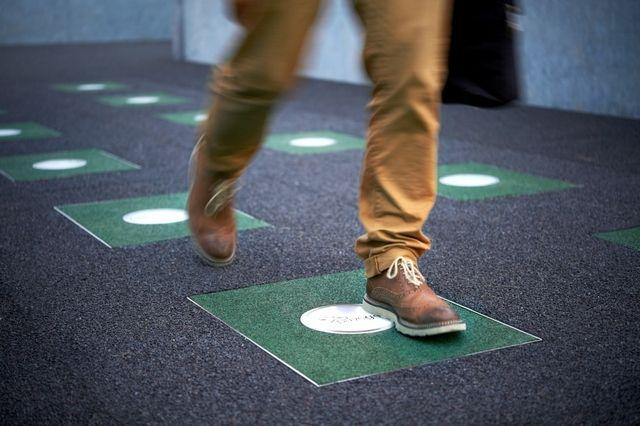 Pavegen Floor Tiles That Generate Electricity From Footsteps Power Walking Tile Floor Energy