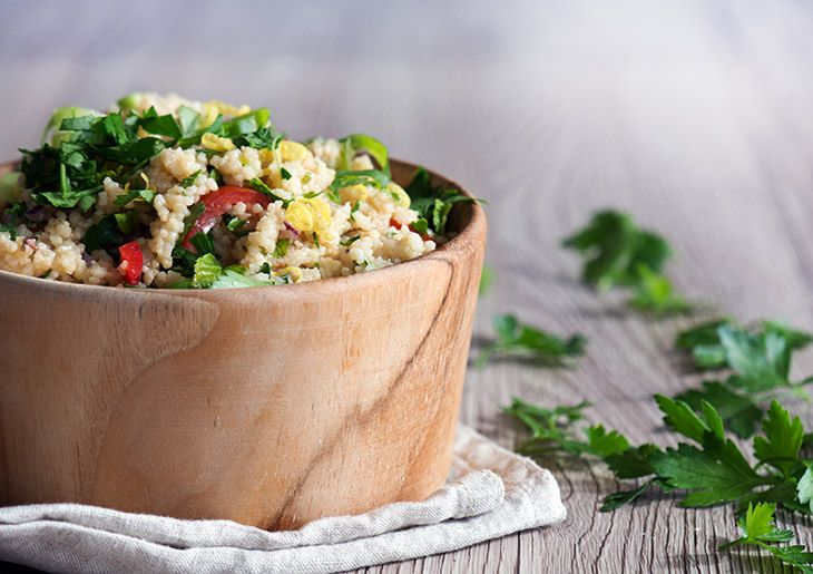 Couscous salat med den skønneste dressing ➙ Opskrift fra Valdemarsro.dk