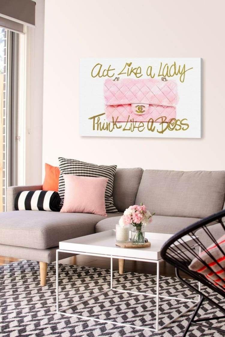 Feminin Wirkendes Wohnzimmer In Rosa, Grau, Schwarz Und Weiß