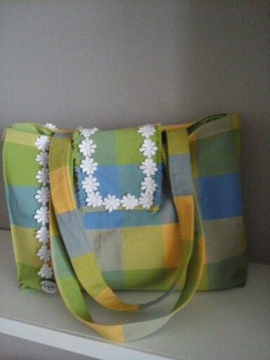 Unique handmade bag ,for me by me . Hut Whitstable handbags launching soon ! #vintage #daisies # checks