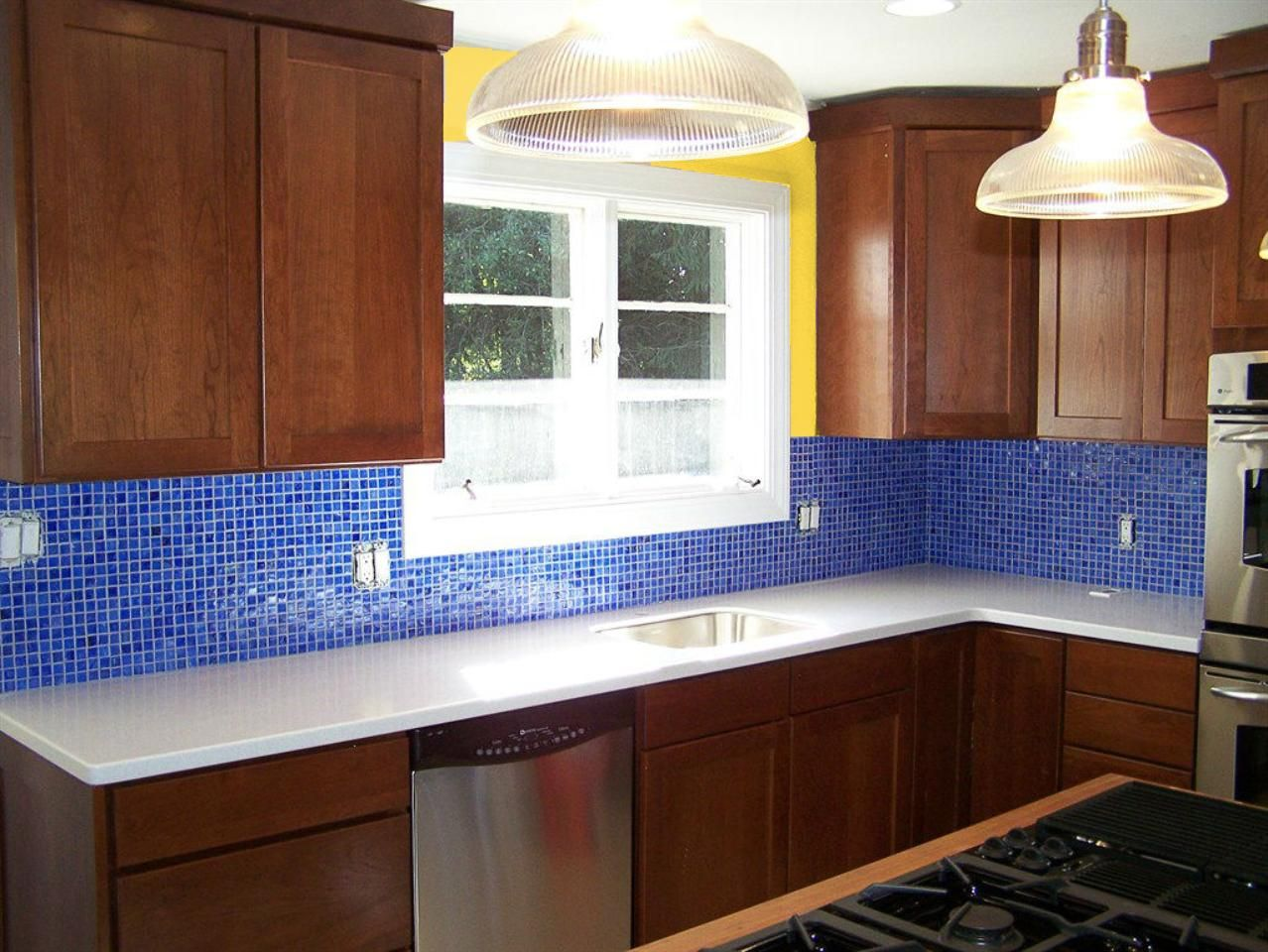 Color Scheme For The New Kitchen Dark Cabinets White Counters Cobalt Blue Mo Blue Glass Tile Kitchen Green Kitchen Backsplash Backsplash With Dark Cabinets