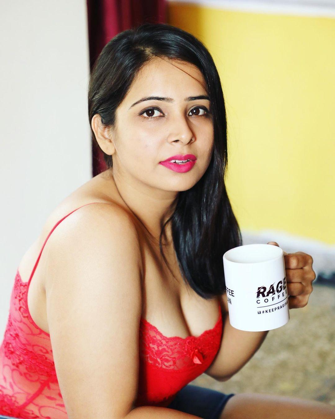 "5,652 Likes, 222 Comments - Surabhi Tiwari (@surabhi.tiwari) on Instagram:  ""Relationship Status … | South indian actress hot, Beauty full girl,  Beautiful girl image"