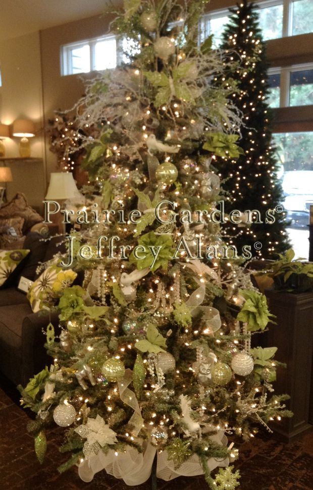 First Frost Decorated Tree Green & White Prairie Gardens ...