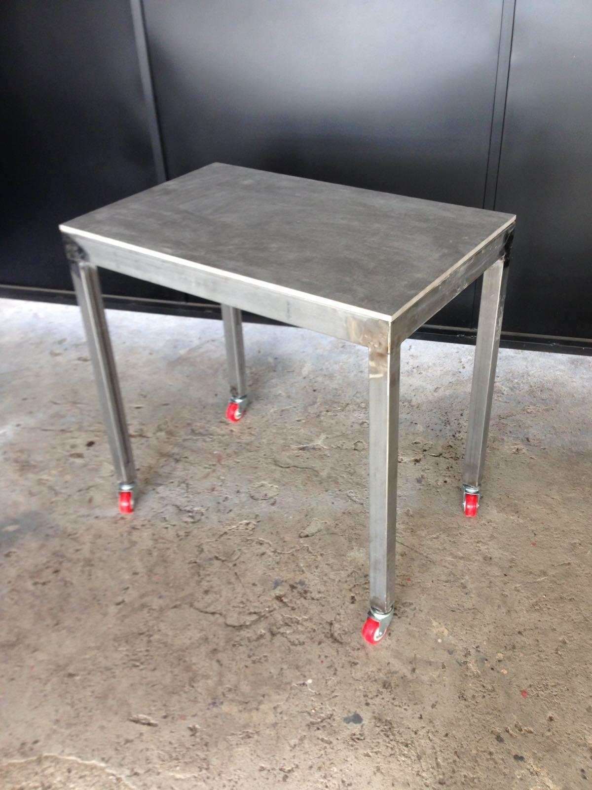 Mesa auxiliar para cocina. Diseño en Acero y Cerámica en la base ...
