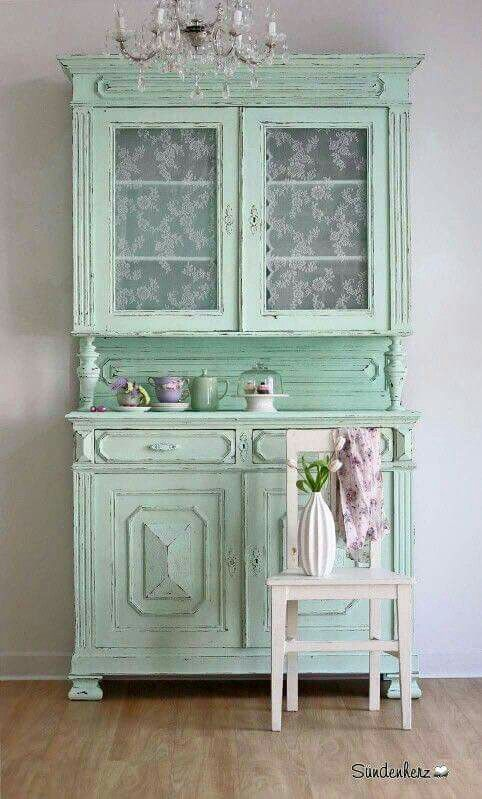 Pin de Sabrina Johnson Cammack en Lovely Green   Pinterest   Vitrinas