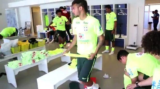 Neymar y Brasil disfrutan de salsa de Joe Arroyo en su camarín. June 03, 2014.