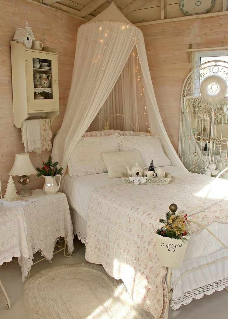 shabby chic schlafzimmer einrichten mit bett mit baldachin. Black Bedroom Furniture Sets. Home Design Ideas