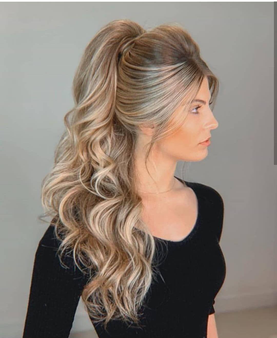 Penteado madrinha 2020   Penteados noiva cabelo longo ...