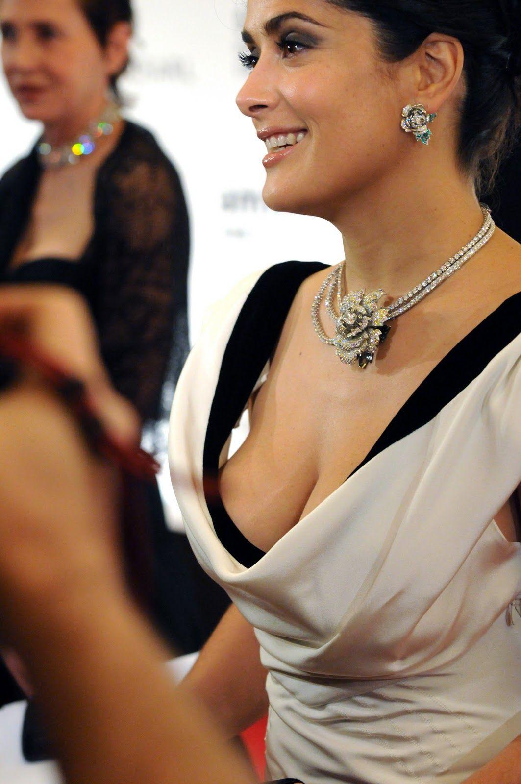 Salma hayek nipple slip