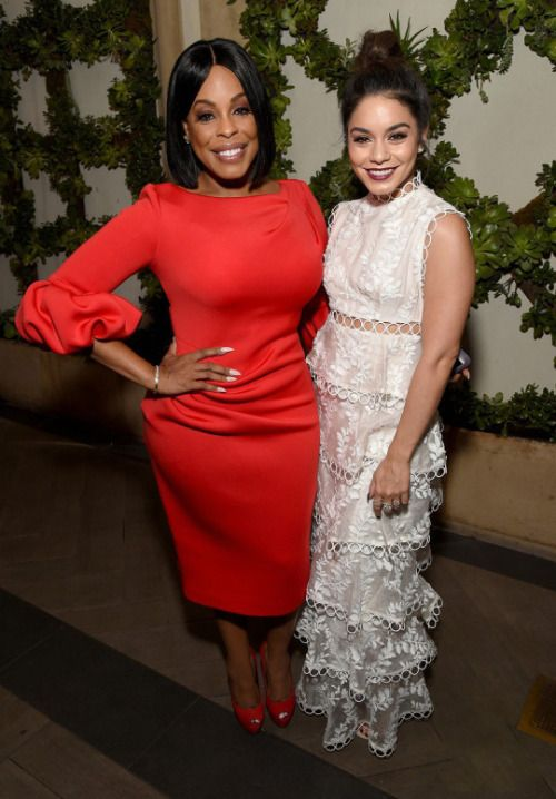 soph-okonedo: Niecy Nash and Vanessa Hudgens attend the 23rd #ootd #outfit #Outfits #fashion #style