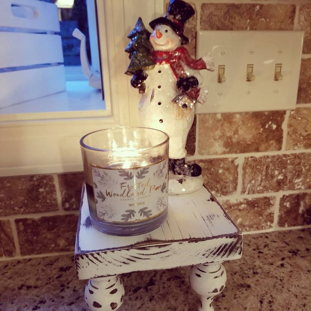 Merry Christmas Eve everyone!! After all the decorating, shopping, wrapping, baking, it's time to relax and enjoy this special time with family and friends. Have a great day! #christmaseve #snowman #candlelight #holidaycheer #family #itsthebesttimeoftheyear #merry #joy #hohoho #falala #glow