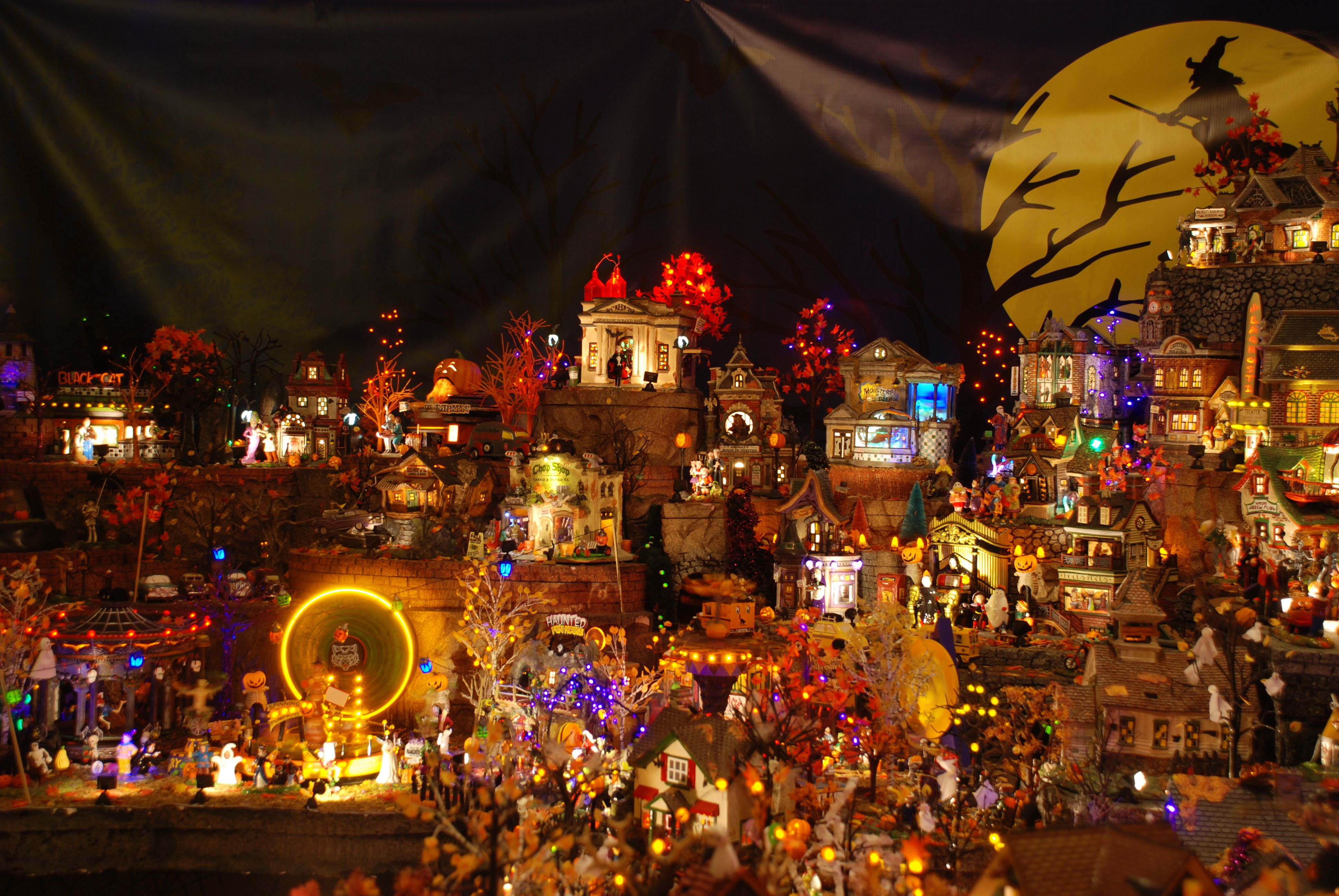 Hallowsville nightmare before christmas village