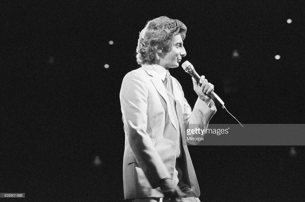 Barry Manilow in concert at Hartford Civic Center, Hartford, Connecticut, America. December 1981