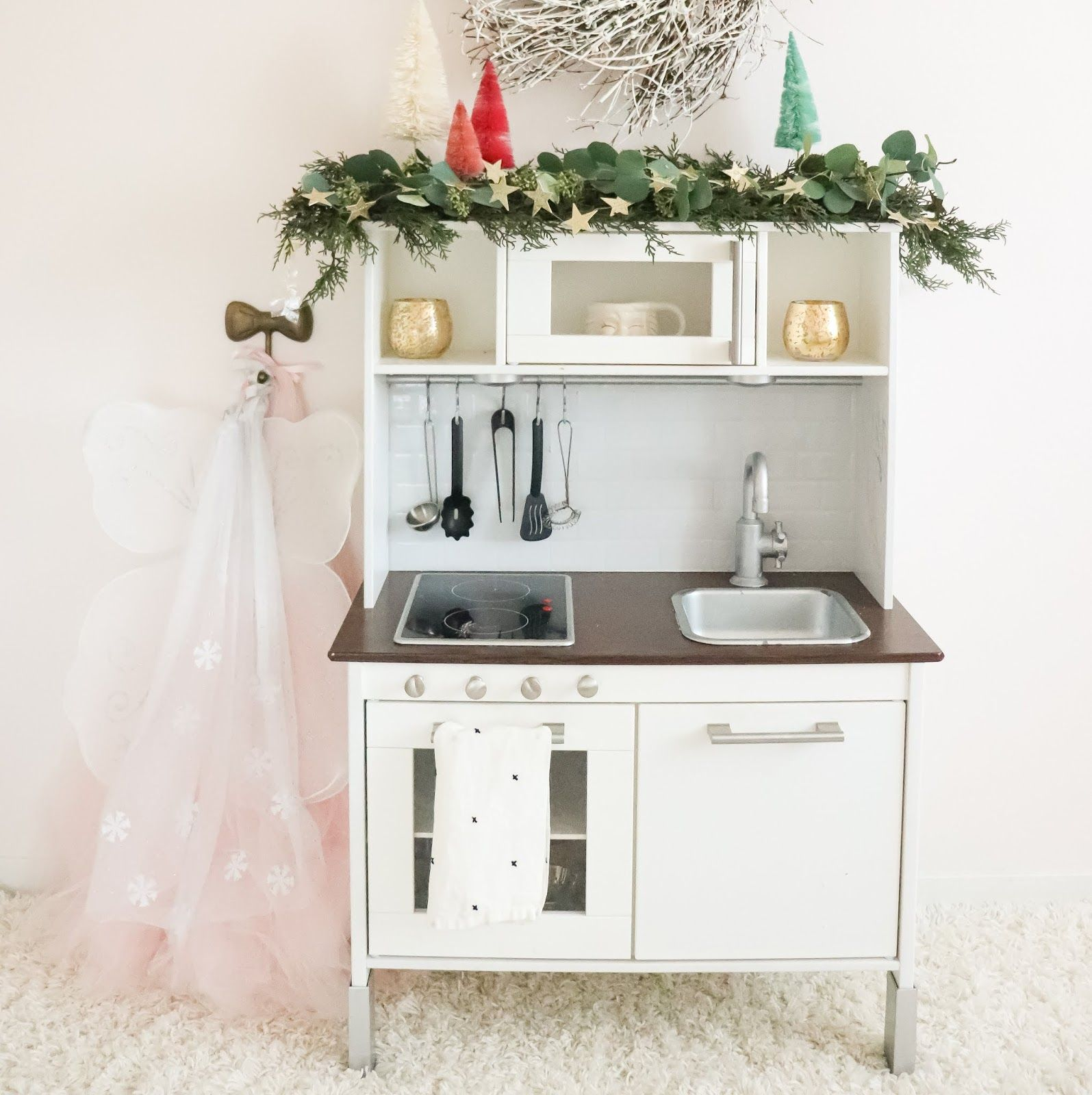 DIY upgraded play kitchen in 2020 Play kitchen, Diy play