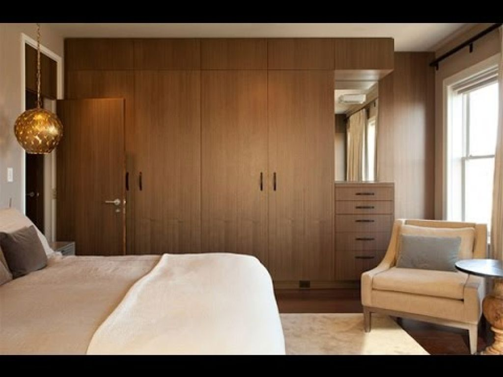 Bedroom interior design with almirah wardrobe design wardrobes designs for bedrooms latest bedroom