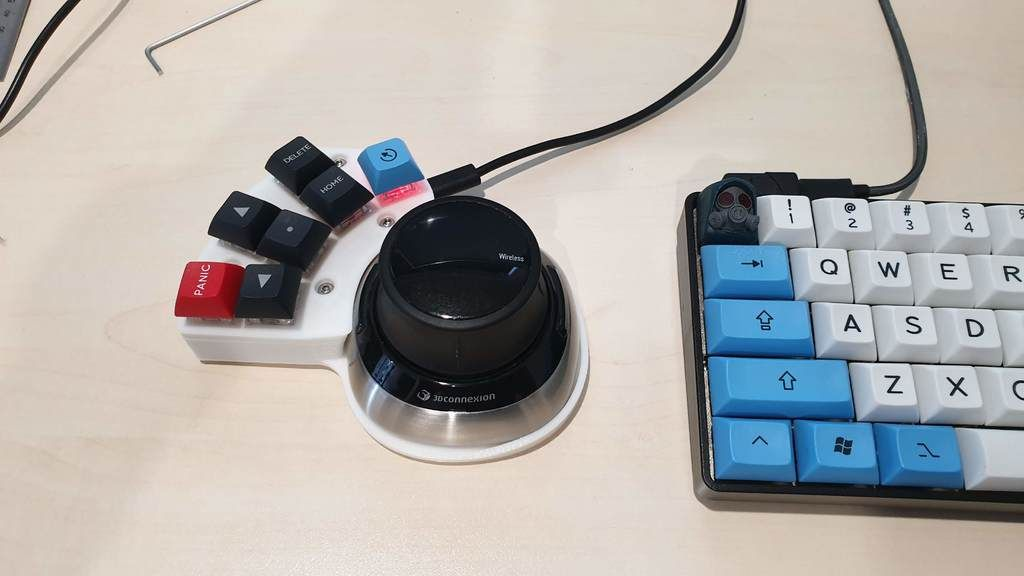 Spacemouse Wireless MacroPad by ajcraig - Thingiverse