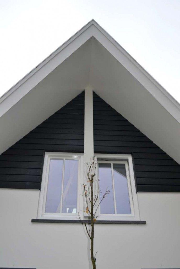 Detail overstek modern woonhuis met veranda en bijgebouw in Overberg | HaBé Bouwen in Stijl