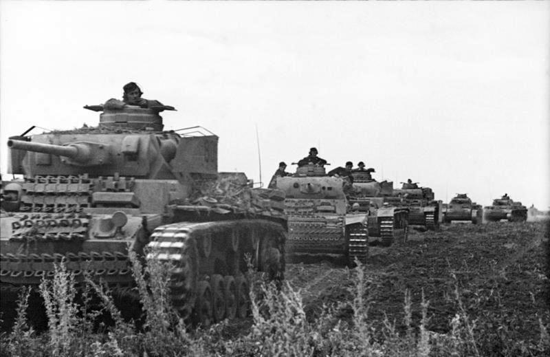 Bundesarchiv Bild 101I-219-0562A-06, Russland, Kolonne mit Panzer III - Battle of Prokhorovka - Wikipedia, the free…