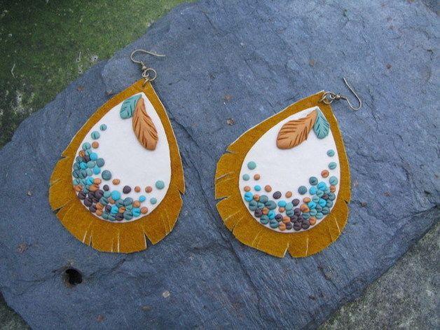 Ohrhänger - Leather Embroidered Feather Ethno Earrings - ein Designerstück von Teodora-bunt bei DaWanda