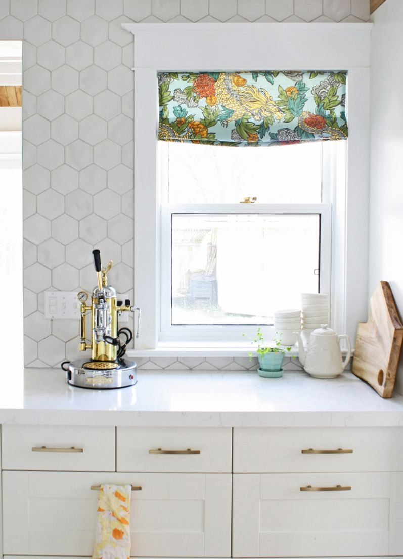 Kitchen Tiles Lincoln like the way the wall tile goes all the way up and around the