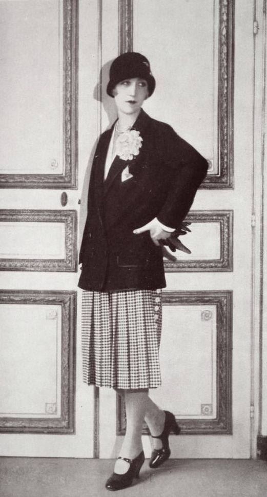 All Sizes Tailleur 1927 Flickr Photo Sharing Twenties Style 1920s Outfits 1920s Fashion