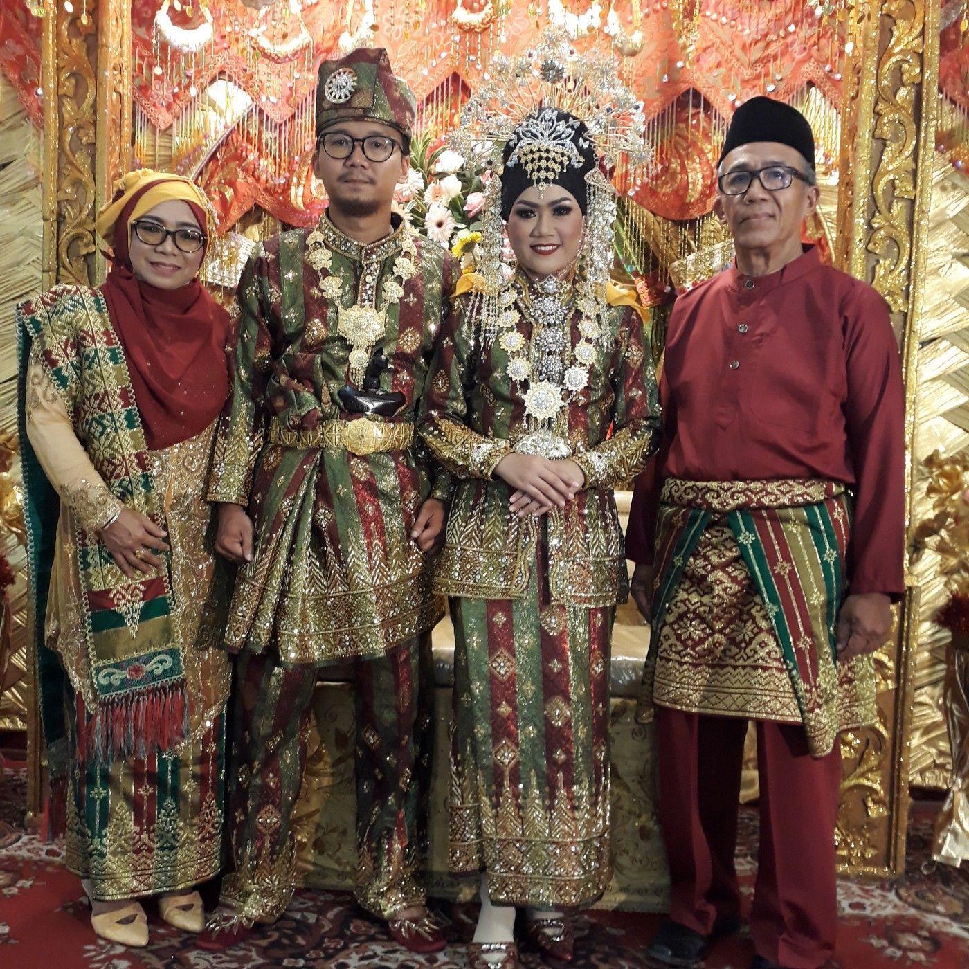 Pakaian Adat Pengantin Kalimantan Utara