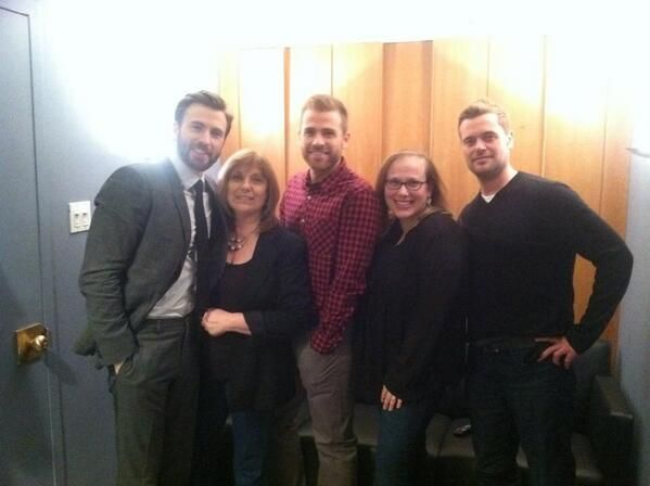 Chris Evans and his family backstage at Jimmy Fallon  3.31.14