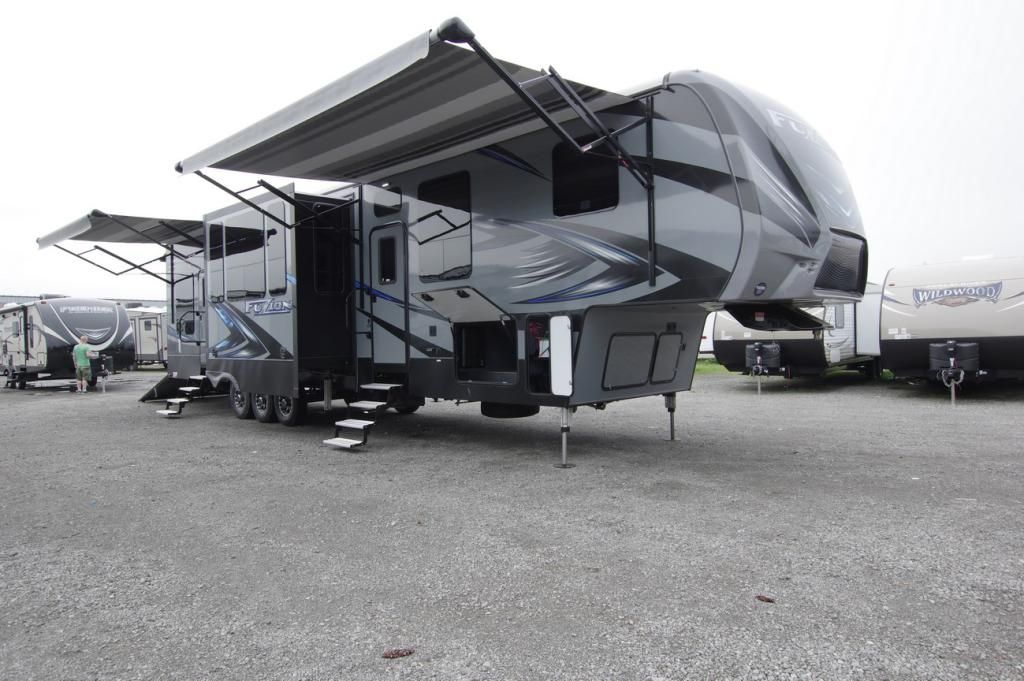 2013 2017 Lakeshore Rv Toy Haulers For Sale Rvs For Sale Rv