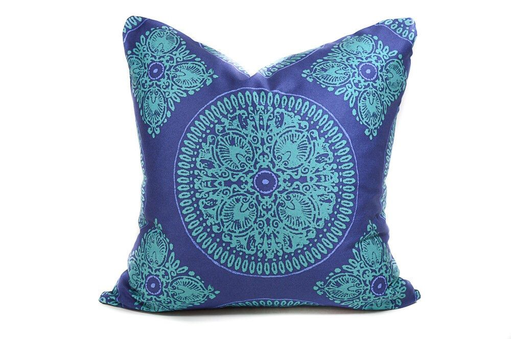 Blue suzani pillow cover - turquoise, light blue, navy blue, dark blue throw pillow, medallion pillow, blue dial pillow cover, boho pillow by INKandLINENco on Etsy https://www.etsy.com/ca/listing/251177609/blue-suzani-pillow-cover-turquoise-light