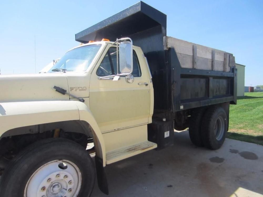 1991 Ford Dumptruck F200 - Available on Online Auction Ending 6/1/15 - Oshkosh, Wisconsin - Hansen & Young, Inc.