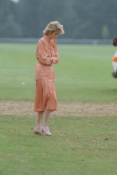 Diana, Princess of Wales wearing a Bruce Oldfield suit during the... News Photo - Getty Images