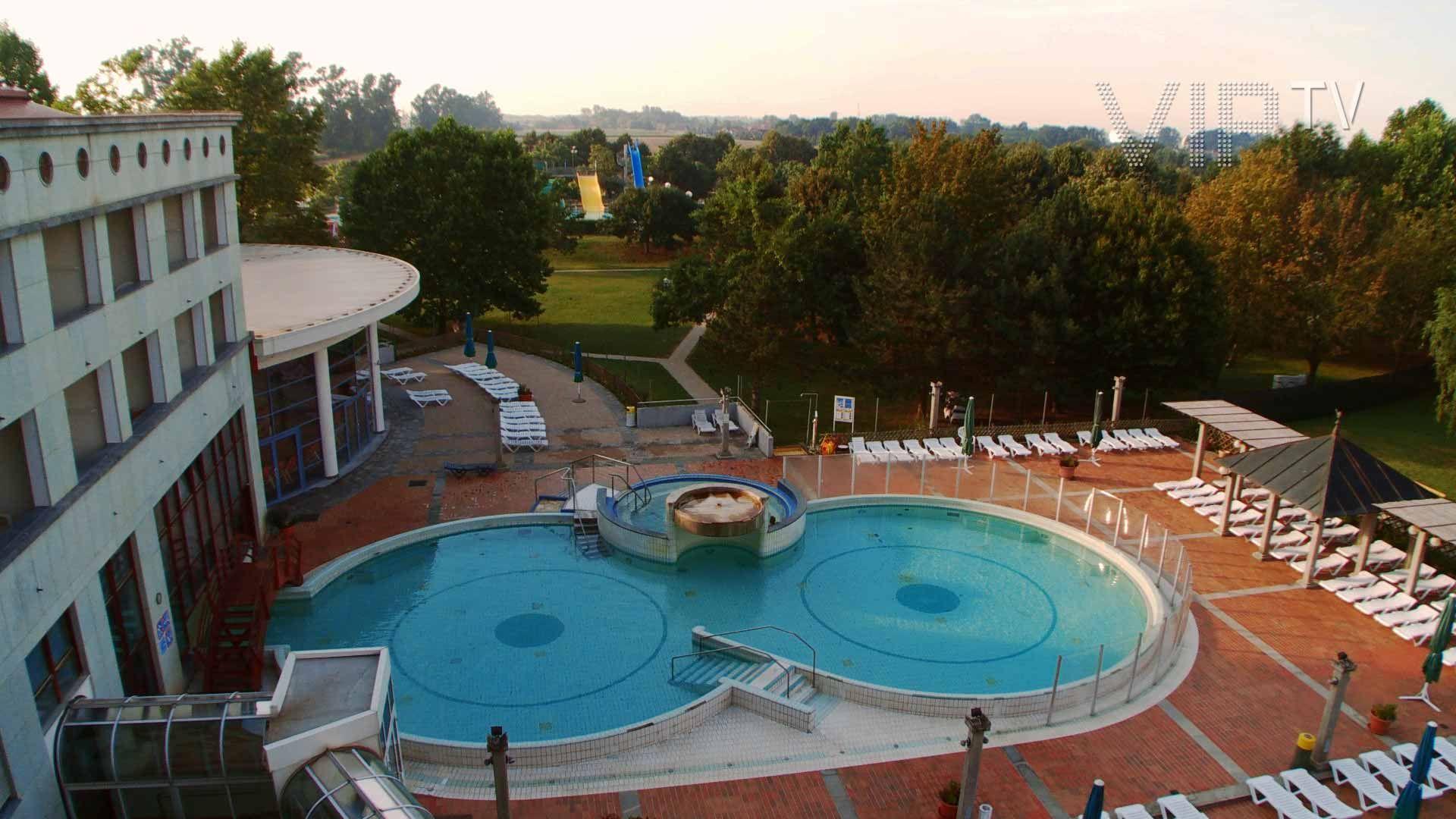 Hotel Lipa - Terme Lendava - SAVA hotels & resorts, lendava, Slovenia *//*   WEB: http://www.viptv.eu/hotels/hotel-lipa-sava-hotels-resorts/ Face Book: https://www.facebook.com/pages/VIPTV/267742970029692 Twitter: http://twitter.com/viphotelvideo Google+: https://plus.google.com/107518696243072844816 LinkedIn: http://www.linkedin.com/in/aljosajerovsek YouTube: http://www.youtube.com/user/VIPTVTravelChannel Vimeo: http://www.vimeo.com/viptvtravelchannel