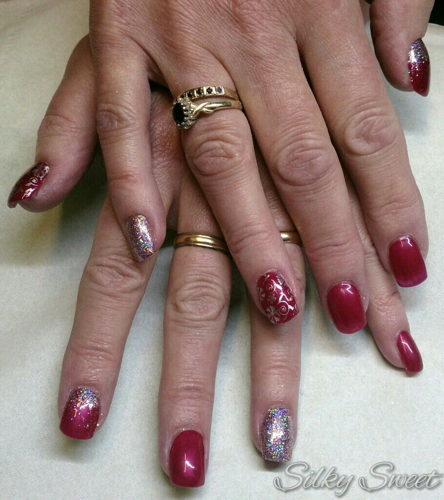 Gelish Rose Garden With Silver Holographic Glitter And Silver Stencilling Red And Silver Acrylic Nails Nails Silver Acrylic Nails Dipped Nails