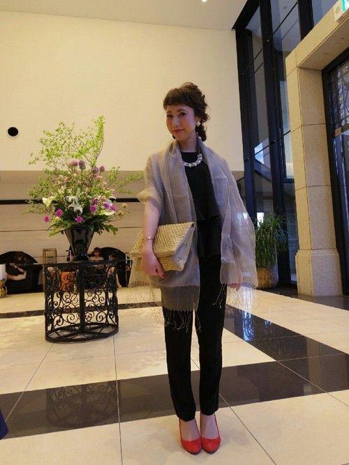 羽織でつくる結婚式のオシャレ上手な着こなしアイデア集 2020 結婚式 パンツ コーデ 結婚式 パンツ 40代 ファッション