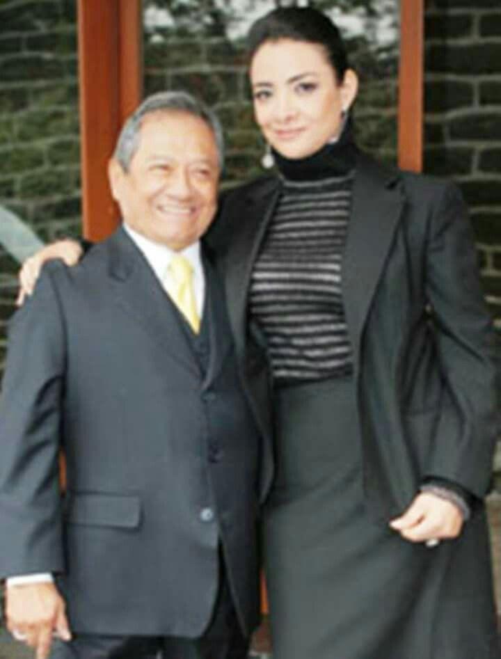 ARMANDO MANZANERO Y GLORIA CABALLERO | Suit jacket, Single breasted suit  jacket, Suits