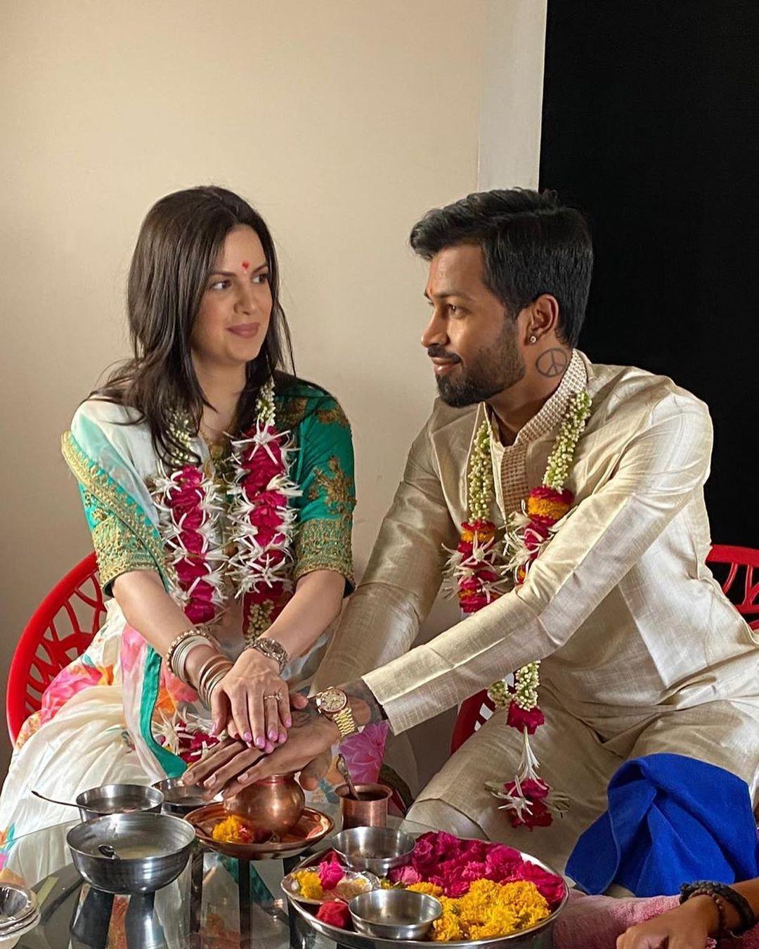 Hardik Pandya And Natasa Stankovic Wedding In 2020 Celebrity Wedding Photos Intimate Wedding Celebrity Weddings