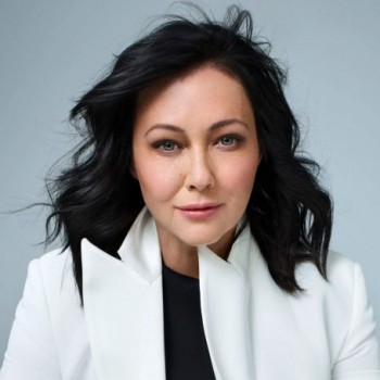 Shannen Doherty Net Worth Wiki Bio Earnings Movies Tv Shows Husband Children Age In 2020 Shannen Doherty Classic Television Net Worth